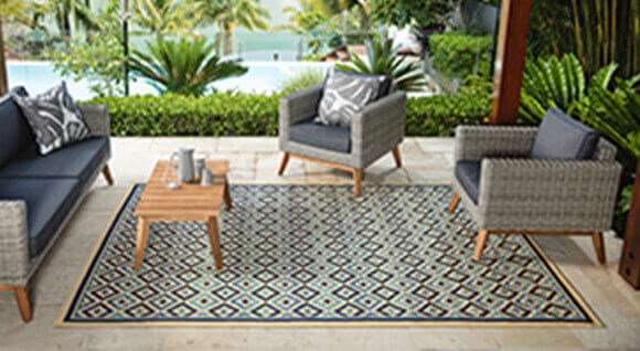 Find That Alfresco Style With Fade Resistant Rugs